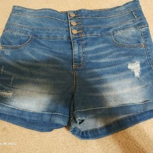 High rise 3 button size 13 shorts